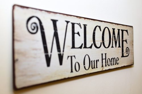 welcome-to-our-home-print-brown-wooden-wall-decor-163046